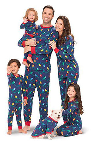 15-Cool-Family-Christmas-Outfits-2017-Holiday-Costumes-5
