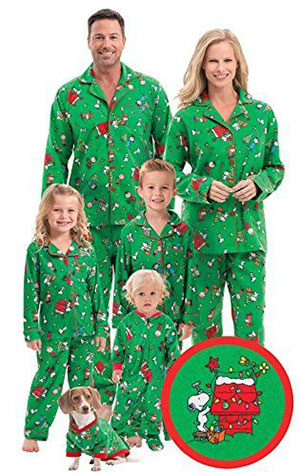15-Cool-Family-Christmas-Outfits-2017-Holiday-Costumes-6