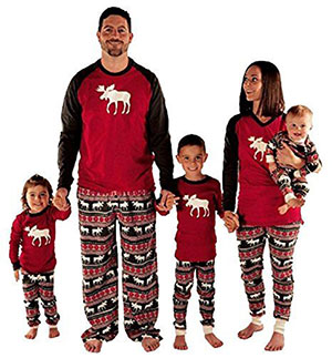 15-Cool-Family-Christmas-Outfits-2017-Holiday-Costumes-9