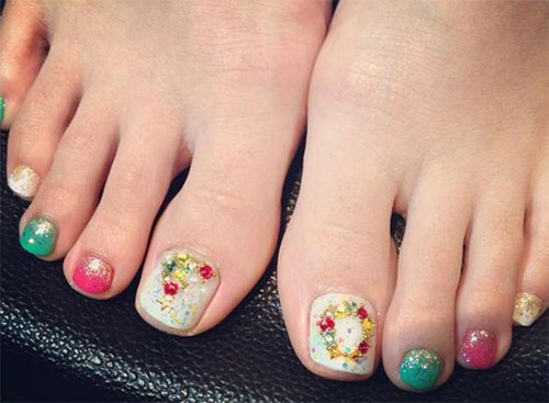 Merry-Christmas-Toe-Nail-Art-Designs-Ideas-2017-Xmas-Nails-5