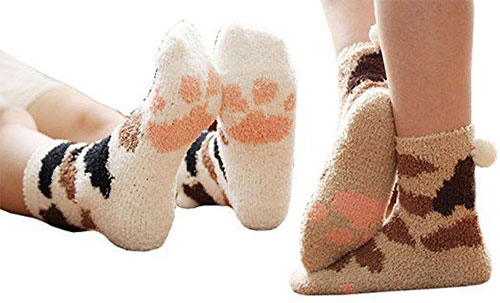 15-Christmas-Fuzzy-Socks-For-Kids-Girls-Women-2017-15