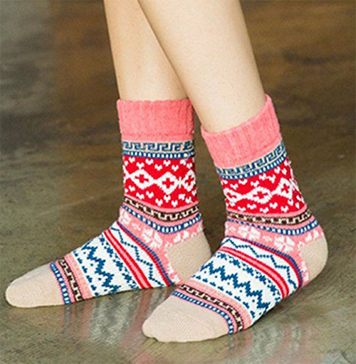 15-Christmas-Fuzzy-Socks-For-Kids-Girls-Women-2017-3