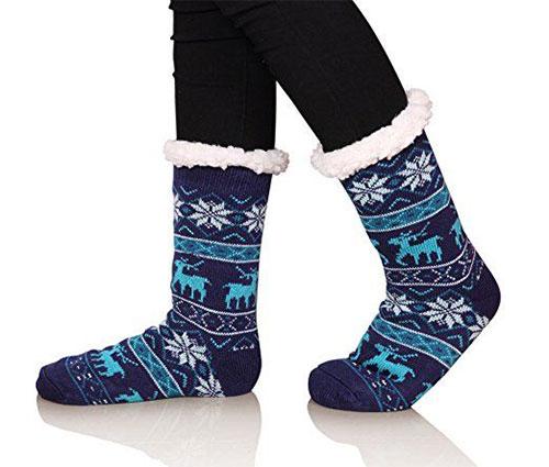 15-Christmas-Fuzzy-Socks-For-Kids-Girls-Women-2017-4
