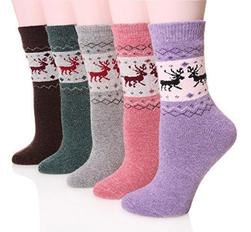 15-Christmas-Fuzzy-Socks-For-Kids-Girls-Women-2017-5