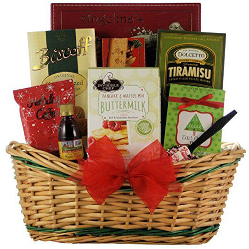 15-Christmas-Themed-Gift-Basket-Ideas-2017-11