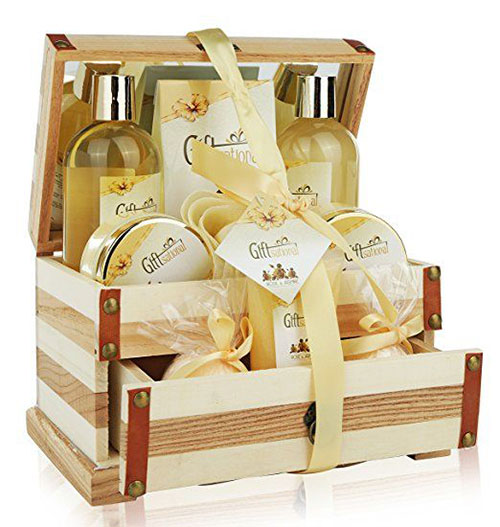 15-Mother's-Day-Gift-Baskets-Hampers-2018-12