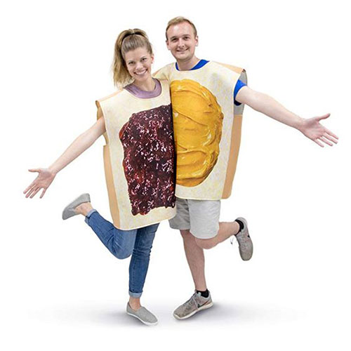 15-Awesome-Halloween-Costumes-For-Couples-2018-1