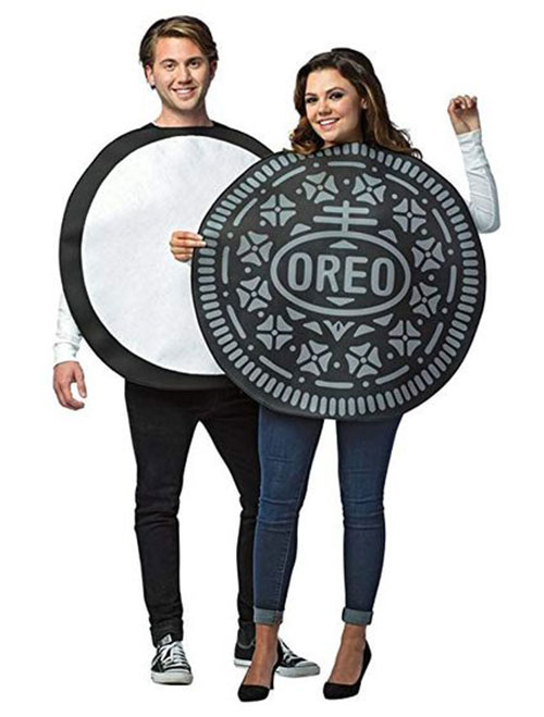 15-Awesome-Halloween-Costumes-For-Couples-2018-7