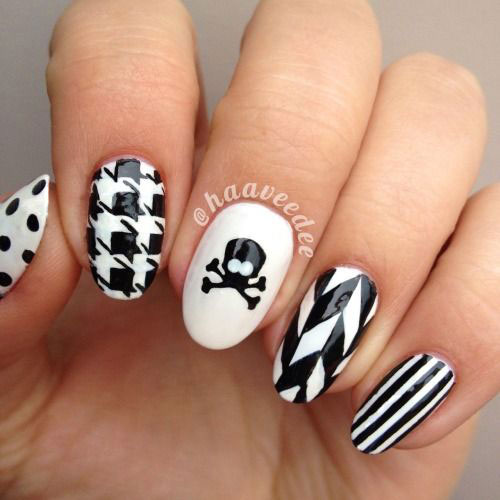 30-Best-Halloween-Nails-Art-Designs-Ideas-2018-25