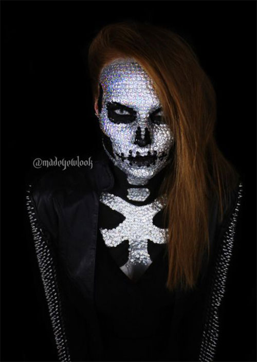15-Creepy-Halloween-Skull-Make-Up-Looks-For-Girls-Women-2018-3
