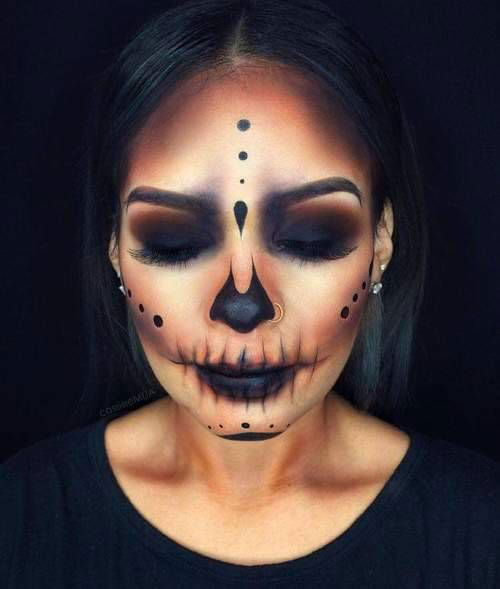 15-Creepy-Halloween-Skull-Make-Up-Looks-For-Girls-Women-2018-7