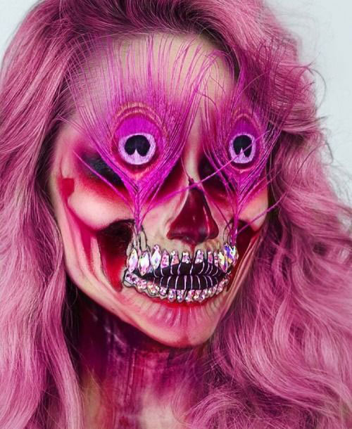 15-Creepy-Halloween-Skull-Make-Up-Looks-For-Girls-Women-2018-8