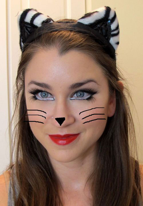 15-Halloween-Cat-Face-Makeup-Ideas-For-Girls-Women-2018-14