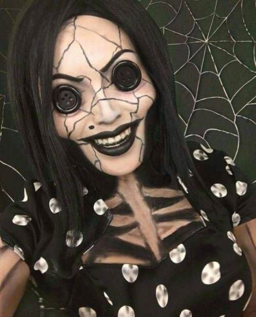 15-Halloween-Doll-Face-Makeup-Ideas-For-Girls-Women-2018-9