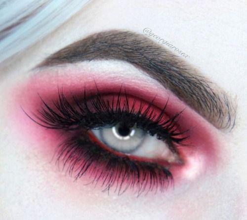 15-Halloween-Eye-Makeup-Ideas-Looks-For-Girls-Women-2018-9
