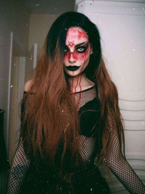 15-Witch-Halloween-Make-Up-Looks-For-Girls-Women-2018-2