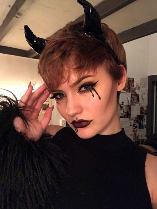 18-Halloween-Devil-Makeup-Ideas-For-Girls-Women-2018-10
