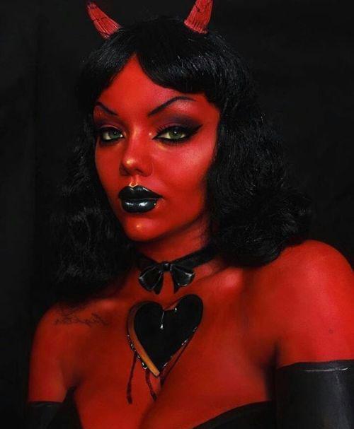 18-Halloween-Devil-Makeup-Ideas-For-Girls-Women-2018-7