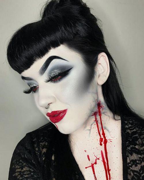 18-Halloween-Vampire-Makeup-Ideas-For-Girls-Women-2018-12