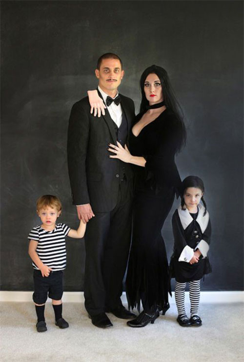 18-Unique-Family-Halloween-Costume-Ideas-2018-12