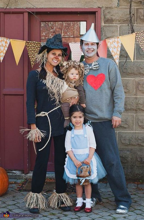 18-Unique-Family-Halloween-Costume-Ideas-2018-13