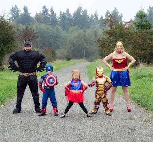 18-Unique-Family-Halloween-Costume-Ideas-2018-14