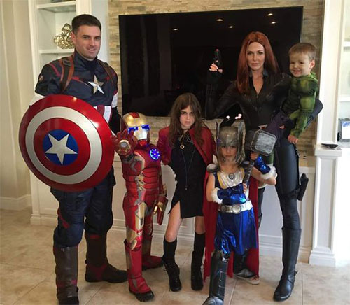 18-Unique-Family-Halloween-Costume-Ideas-2018-16