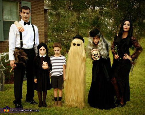 18-Unique-Family-Halloween-Costume-Ideas-2018-17