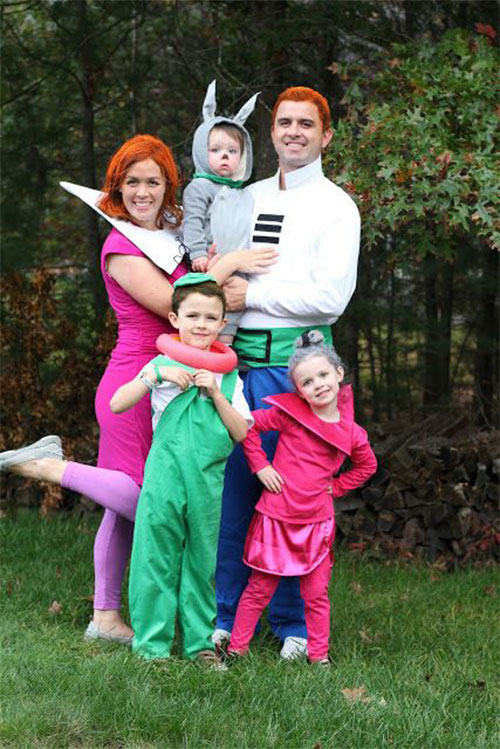 18-Unique-Family-Halloween-Costume-Ideas-2018-3