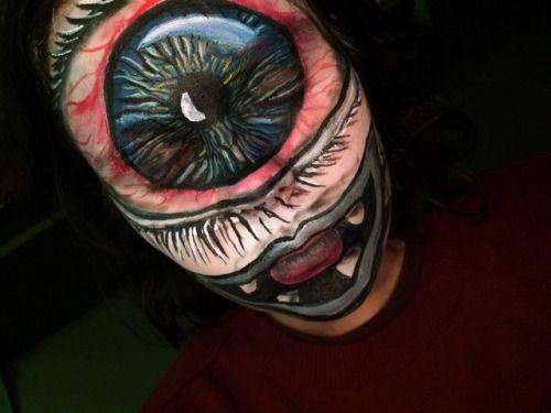20-Scary-Halloween-MakeUp-Looks-For-Girls-Women-2018-18