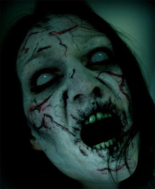 20-Scary-Halloween-MakeUp-Looks-For-Girls-Women-2018-21