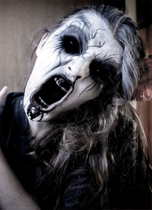 20-Scary-Halloween-MakeUp-Looks-For-Girls-Women-2018-9