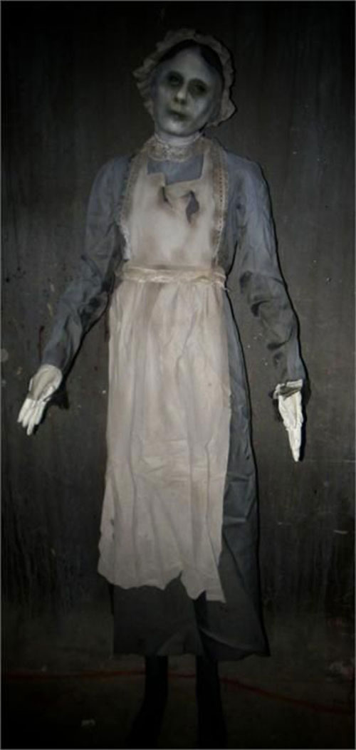 30-Scary-Halloween-Costumes-Outfit-Ideas-2018-17