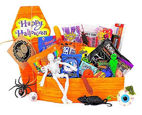 12-Halloween-Gift-Baskets-Bags-For-Kids-Adults-2018-Gift Ideas-1