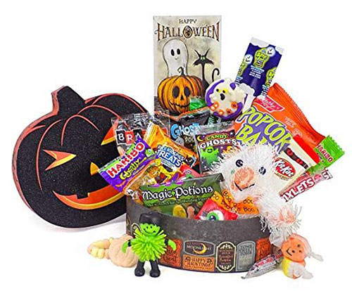 12-Halloween-Gift-Baskets-Bags-For-Kids-Adults-2018-Gift Ideas-3