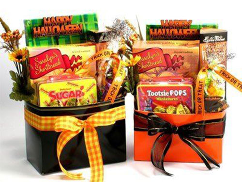 12-Halloween-Gift-Baskets-Bags-For-Kids-Adults-2018-Gift Ideas-9