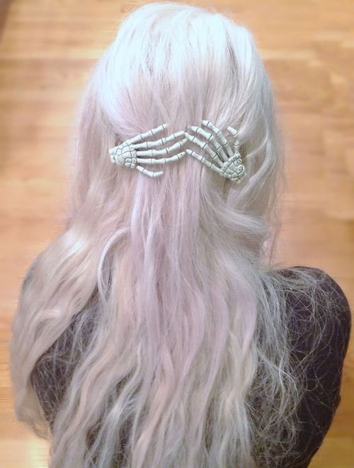 25-Cool-Funky-Scary-Halloween-Hairstyles-For-Kids-Girls-2018-15