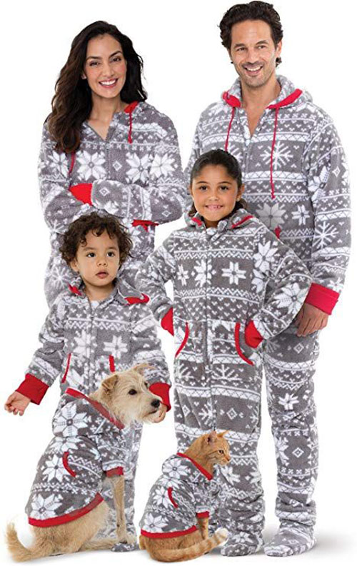 15-Best-Family-Christmas-Outfits-2018-Holiday-Costumes-10