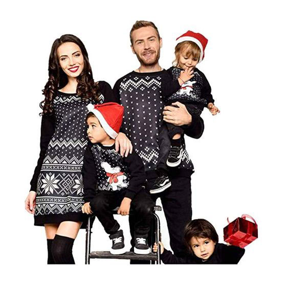 15-Best-Family-Christmas-Outfits-2018-Holiday-Costumes-8