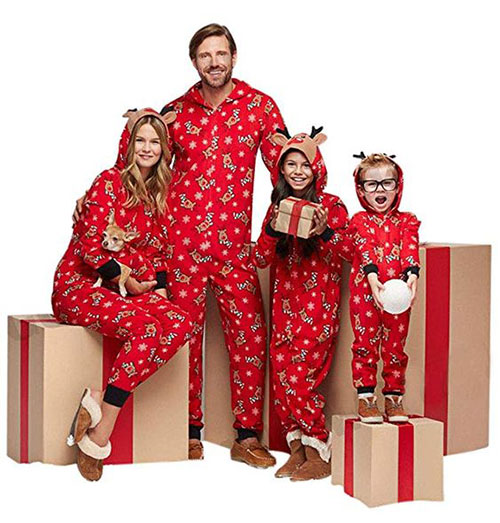 15-Best-Family-Christmas-Outfits-2018-Holiday-Costumes-9