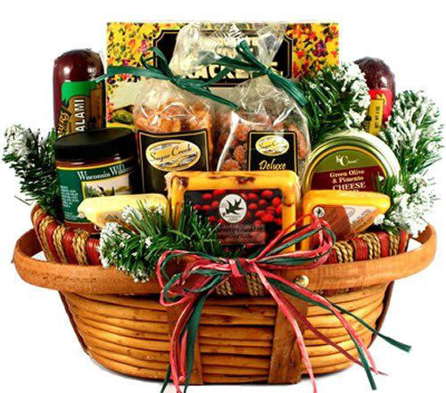 15-Christmas-Themed-Gift-Basket-Ideas-2018-2
