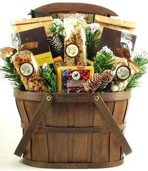 15-Christmas-Themed-Gift-Basket-Ideas-2018-4