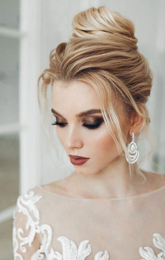Spring-Wedding-Makeup-Ideas,-Looks-&-Trends-2019-(1)