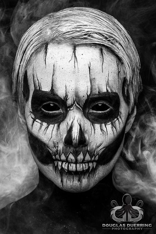 18-Halloween-Skull-Makeup-Looks-For-Girls-Women-2019-1