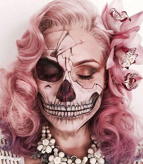 18-Halloween-Skull-Makeup-Looks-For-Girls-Women-2019-5