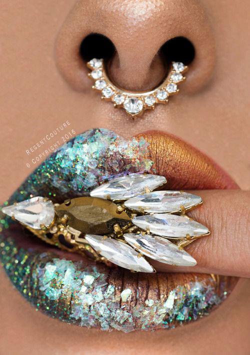Best-Halloween-Lips-Makeup-Ideas-2019-16
