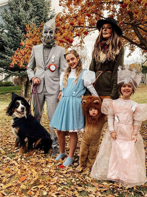 Family-Halloween-Costume-Ideas-2019-11