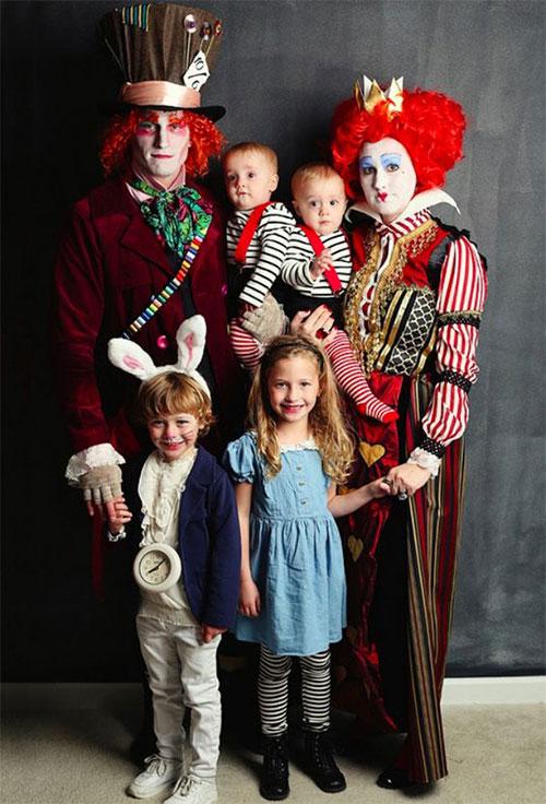 Family-Halloween-Costume-Ideas-2019-5