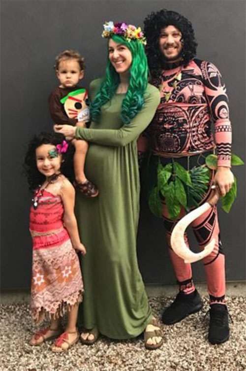 Family-Halloween-Costume-Ideas-2019-9