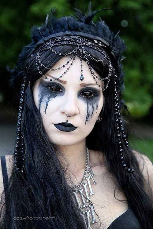 Witch-Halloween-Make-Up-Looks-For-Girls-Women-2019-13